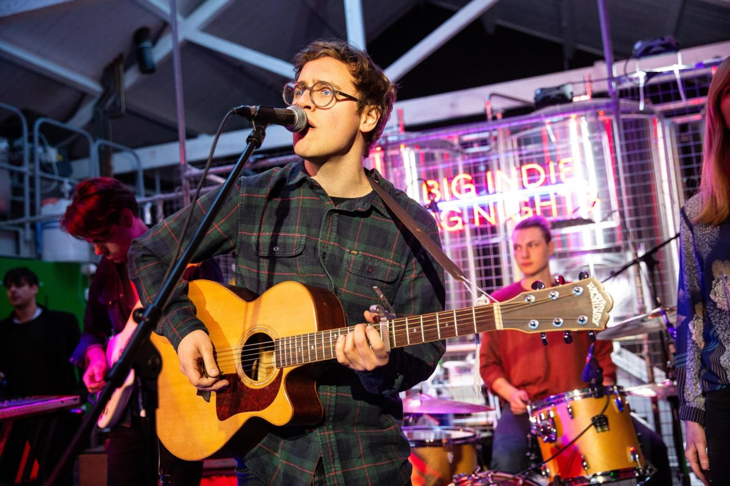 Watch Alex Bayly perform 'I'll Never Leave You' at Big Indie Big Nights