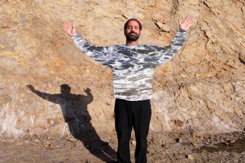 Alex Bleeker unveils new track 'La La La'