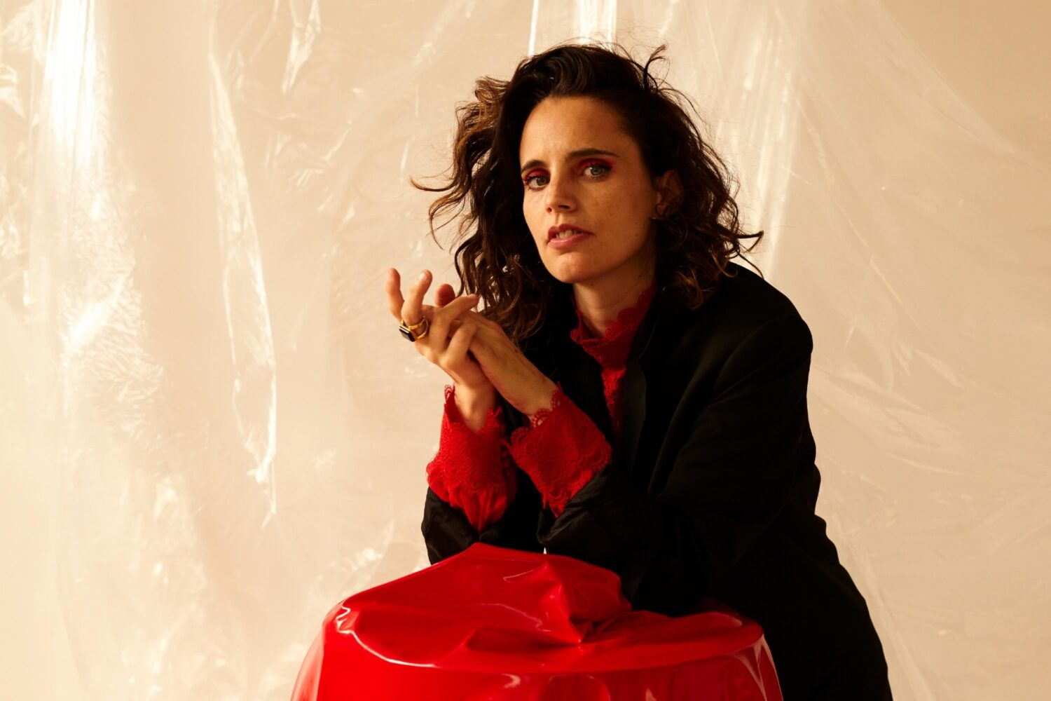 "Anna Calvi talks 'Hunter': ""I wanted to capture a combination of beauty and ugliness"""