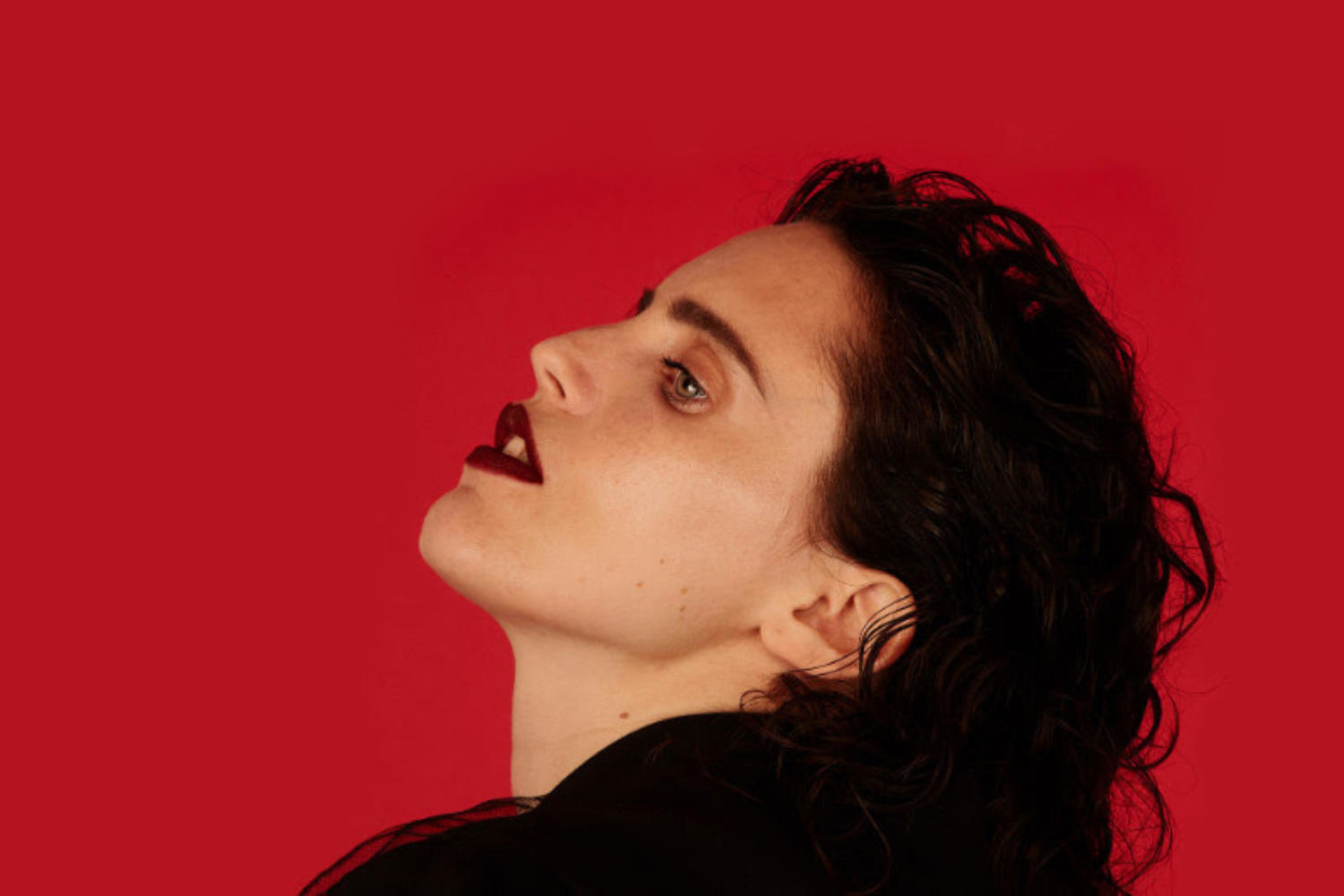 Anna Calvi announces 'Hunted', a reworking of 2018's 'Hunter'