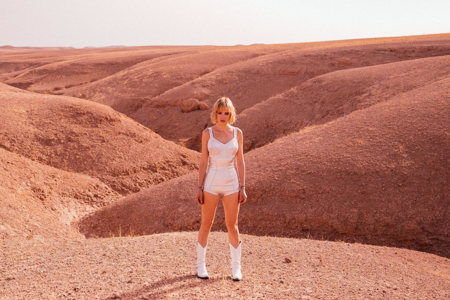 Anteros get lost in the desert in their 'Call Your Mother' video