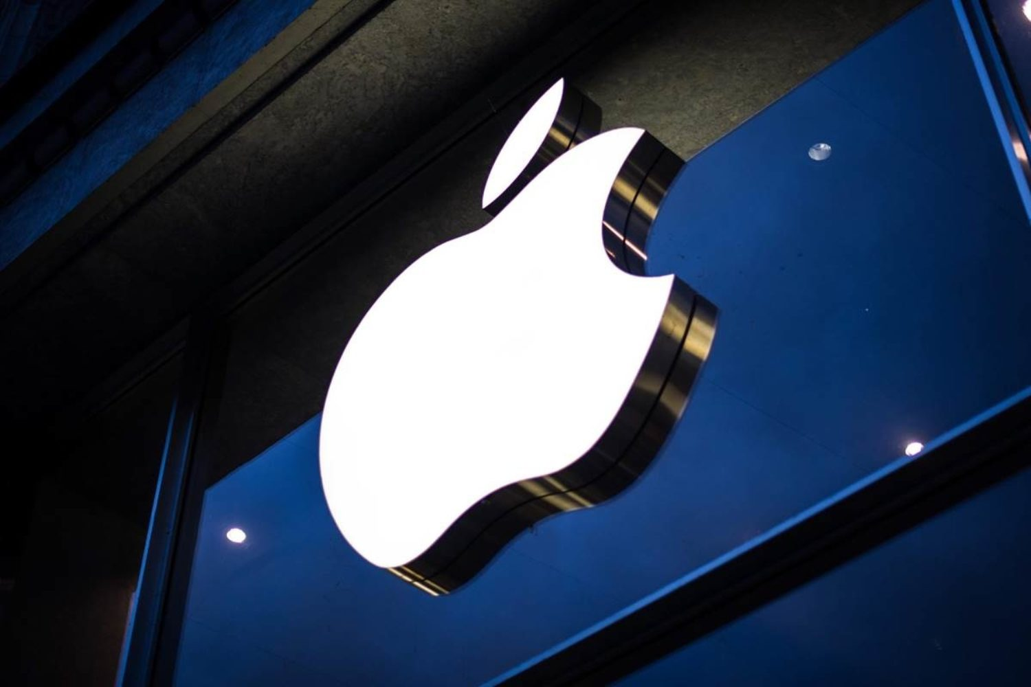 Apple reverses decision, says it will pay rights holders during three-month free trial