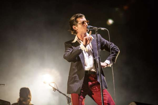 Watch Arctic Monkeys cover The White Stripes' 'The Union Forever'