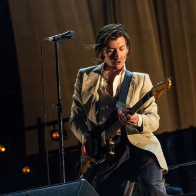 Arctic Monkeys cover The Strokes at New York show