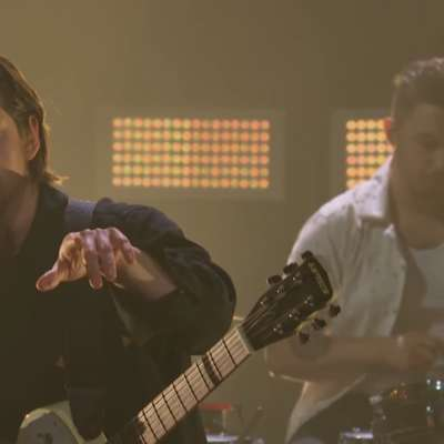 Watch Arctic Monkeys bring 'One Point Perspective' to the telly!