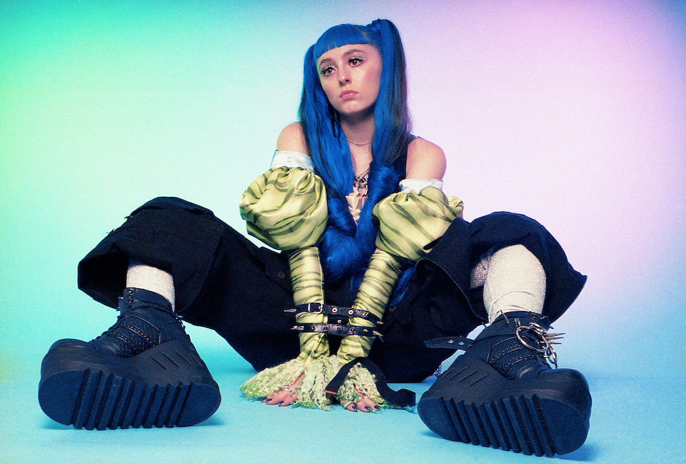 Ashnikko teams up with Grimes for new banger 'Cry'