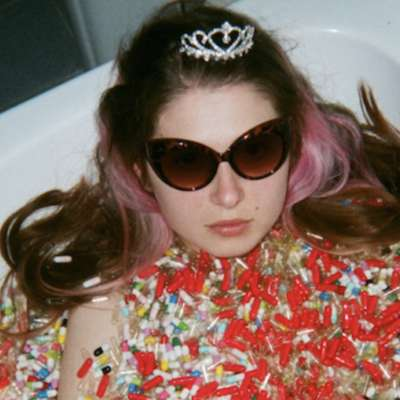 Baby Queen announces debut EP 'Medicine'