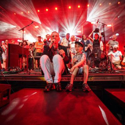 Belle and Sebastian announce double live album 'What To Look For In Summer'