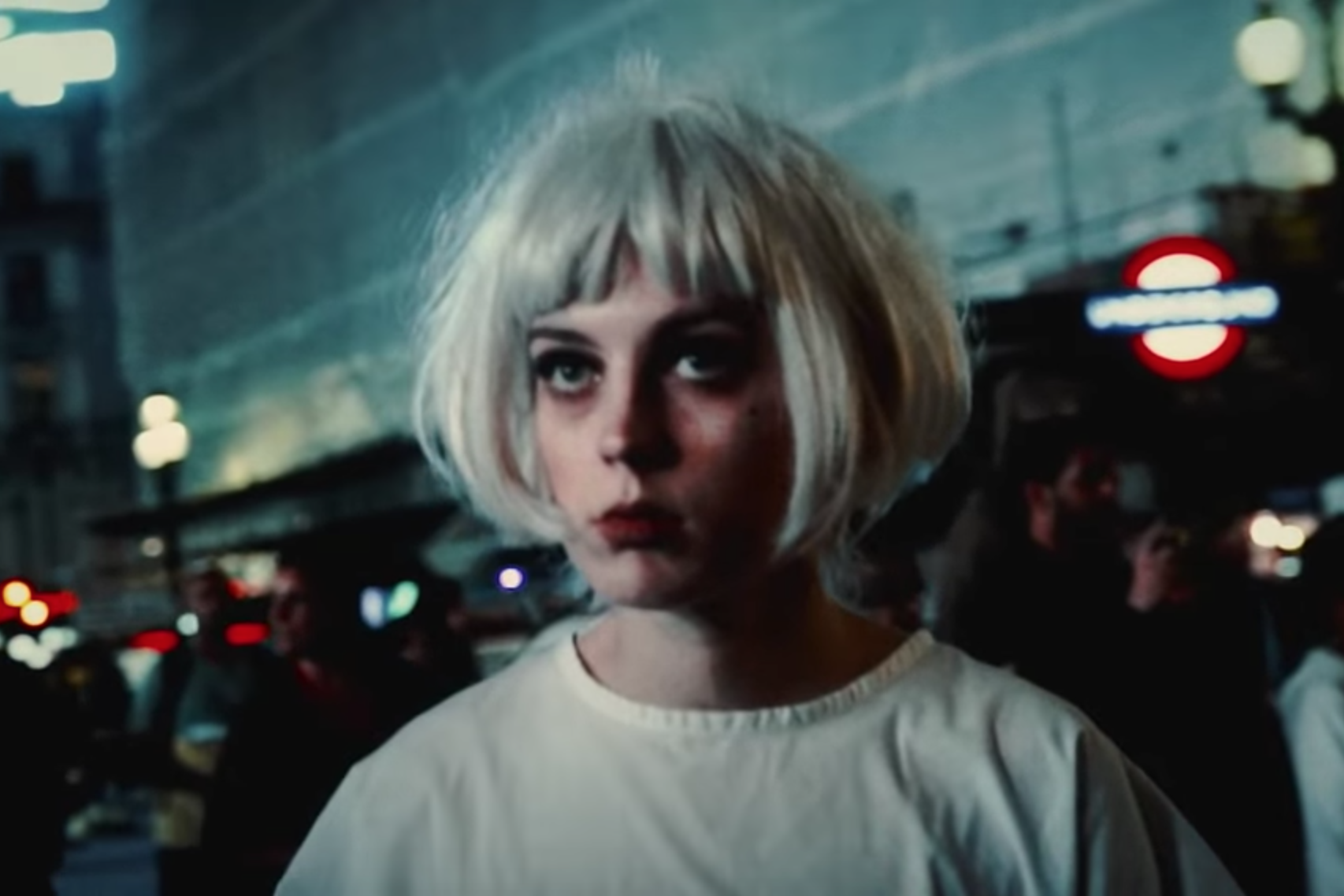 Black Honey unveil video for 'Crowded City'
