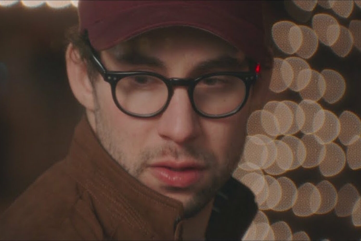 Bleachers stars in his own rom-com in the video for 'Alfie's Song (Not So Typical Love Song)'