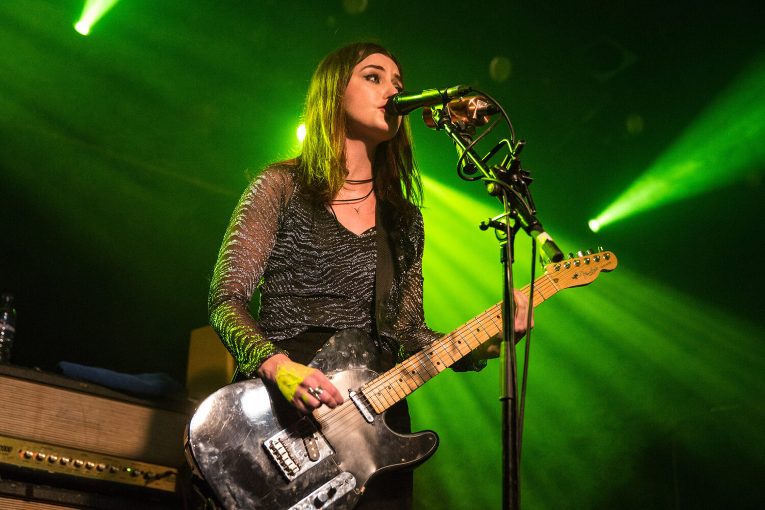 Blood Red Shoes' Laura-Mary Carter announces debut solo show