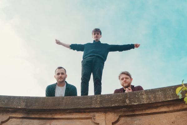 Caro share new single 'Closet Lunatic'