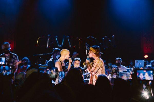 Cavetown and Chloe Moriondo cover 'Teenage Dirtbag'