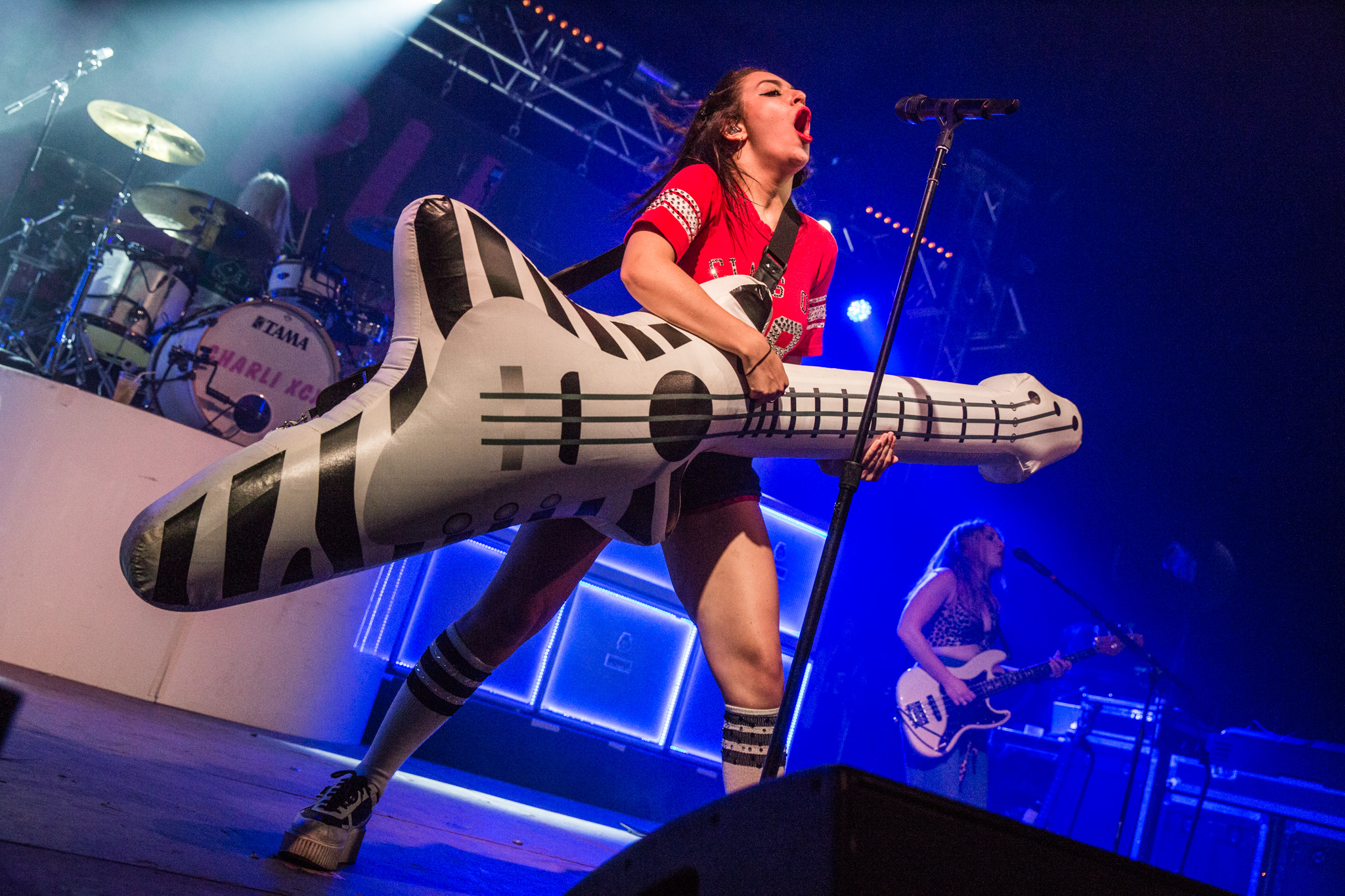 Charli XCX breaks the rules at Reading 2015