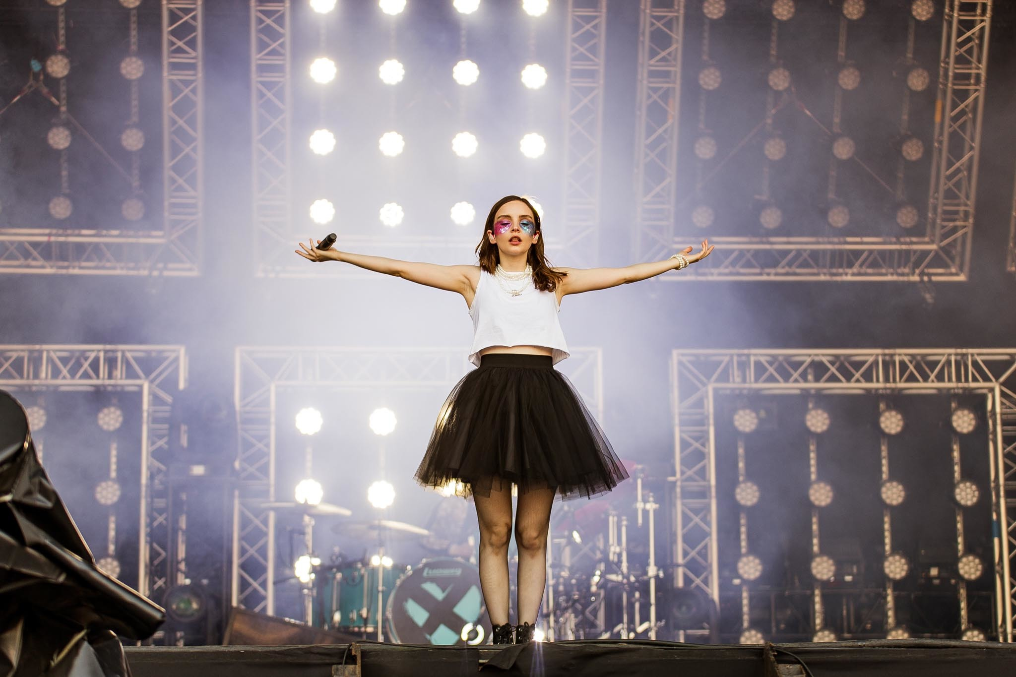Chvrches' Lauren Mayberry joins The National on stage at Austin City Limits