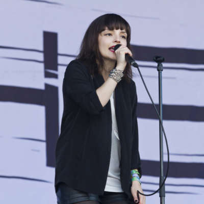 Watch Lauren Mayberry of Chvrches join Death Cab For Cutie onstage