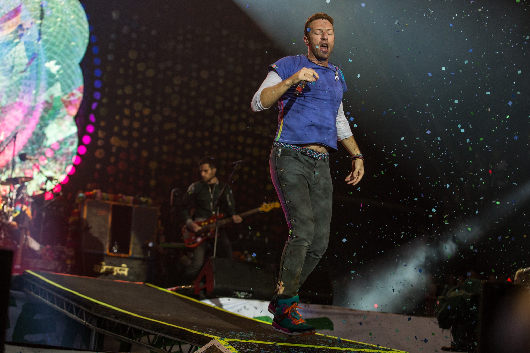 Coldplay go big for closing set at Glastonbury 2016