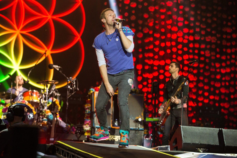 Coldplay go big for closing set at Glastonbury 2016
