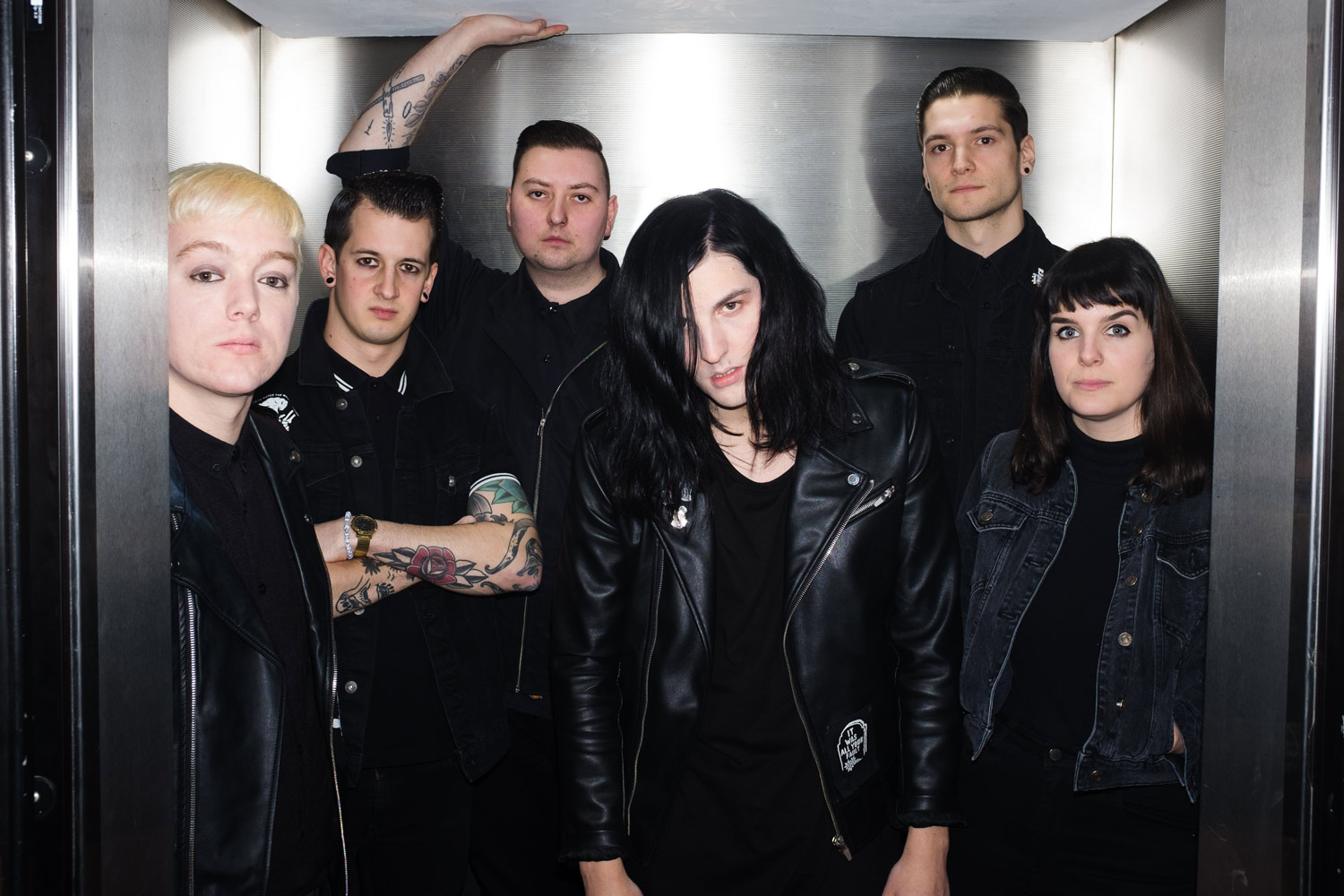 How to disappear completely: Creeper