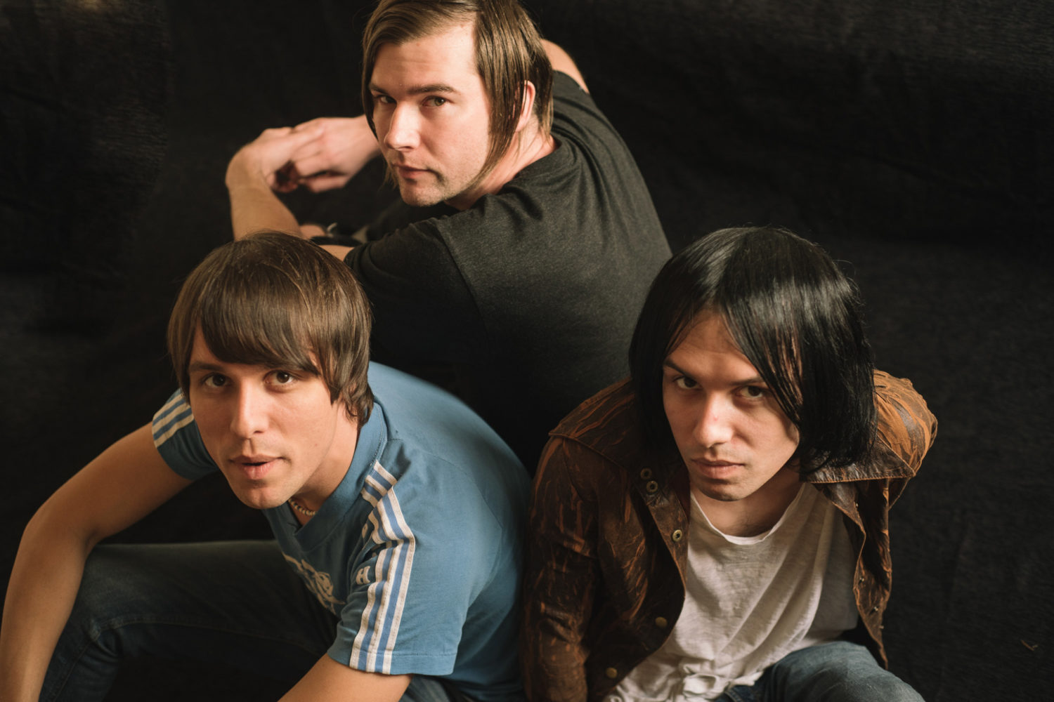 The Cribs share standalone track 'Wish I Knew You In The 90s'