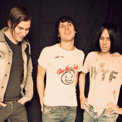 The Cribs debut new b-side 'Orange Star Rattle'