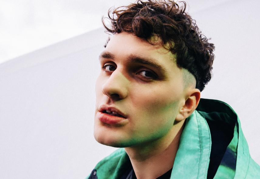 Dan D'Lion releases new track 'Apple Juice'
