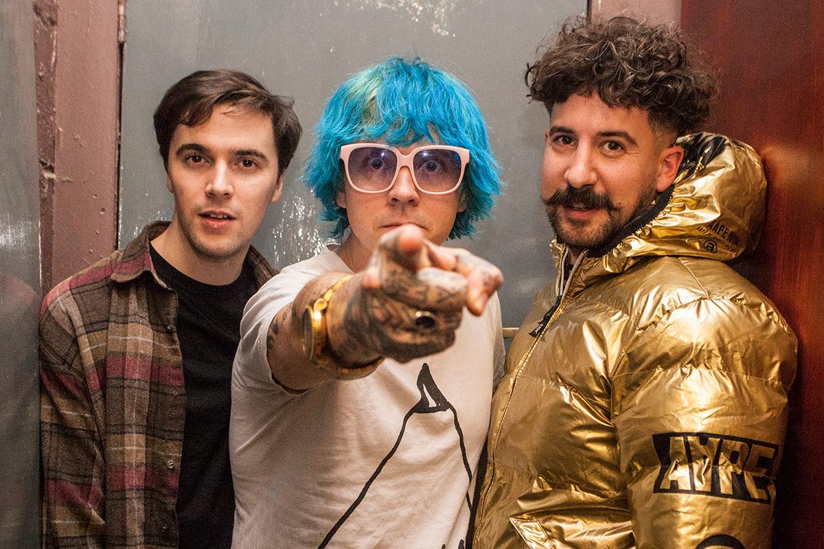 Dancehall craft hypnotic post-punk on 'Droners'