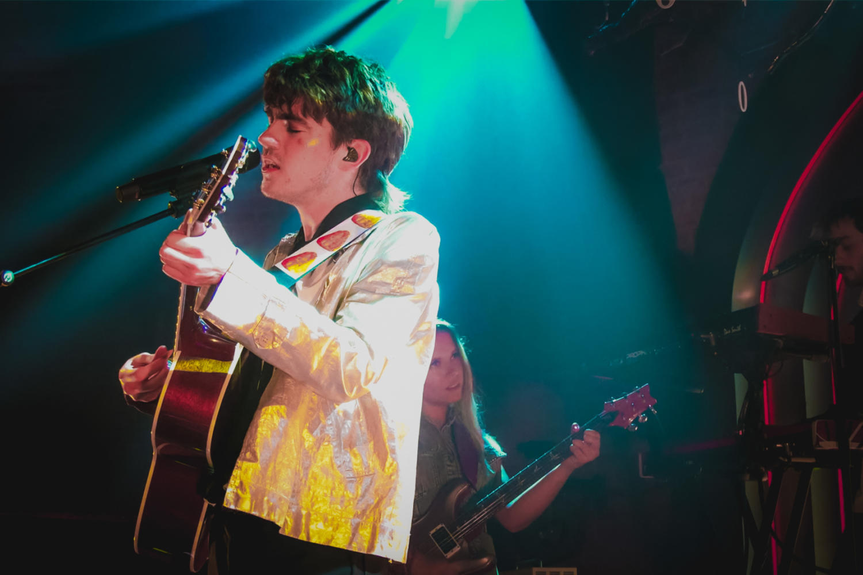 Declan McKenna, Lafayette, London
