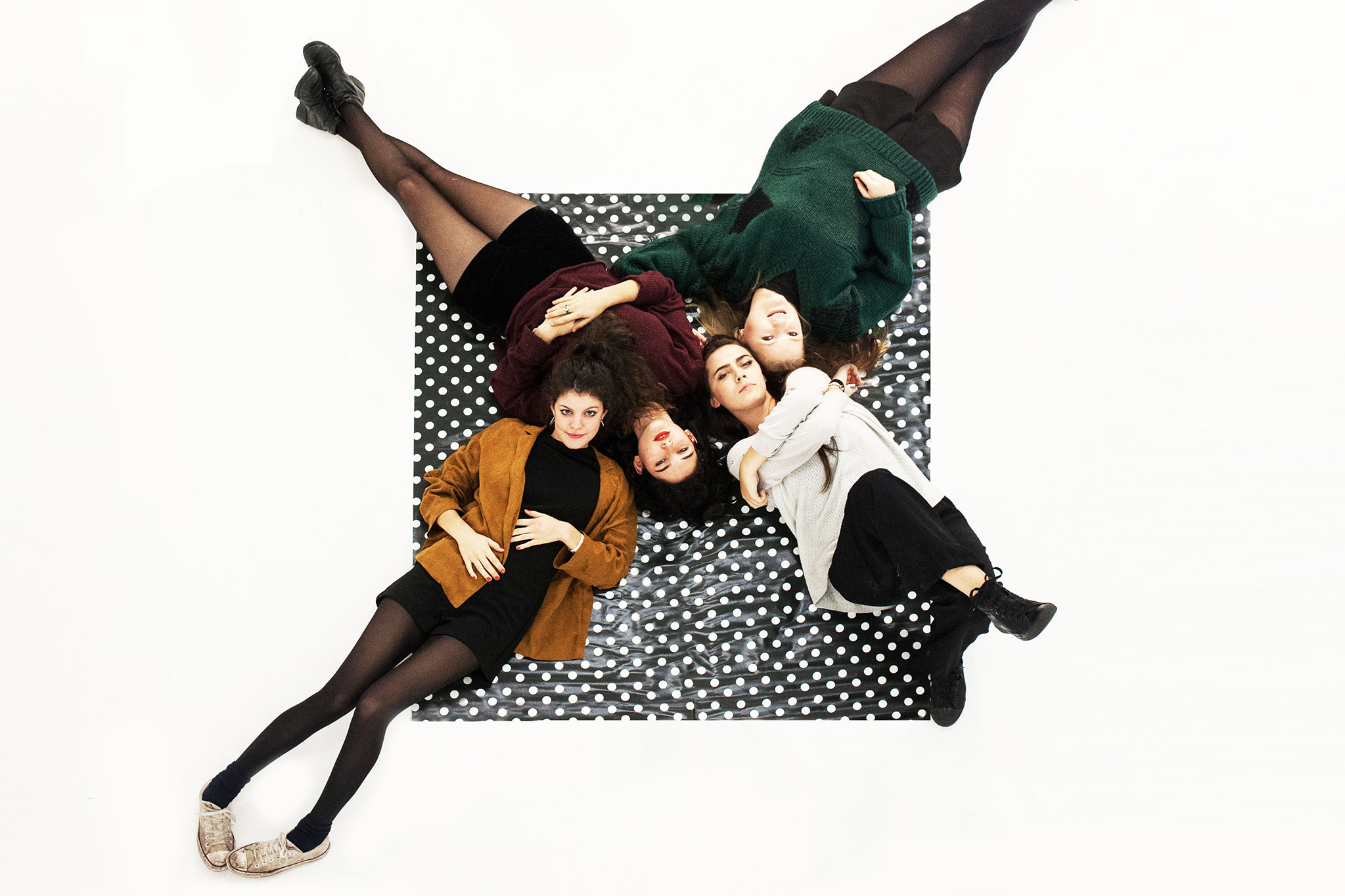 Deers change band name to Hinds
