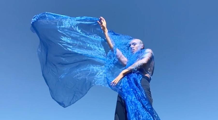 Douglas Dare releases 'I Am Free' video