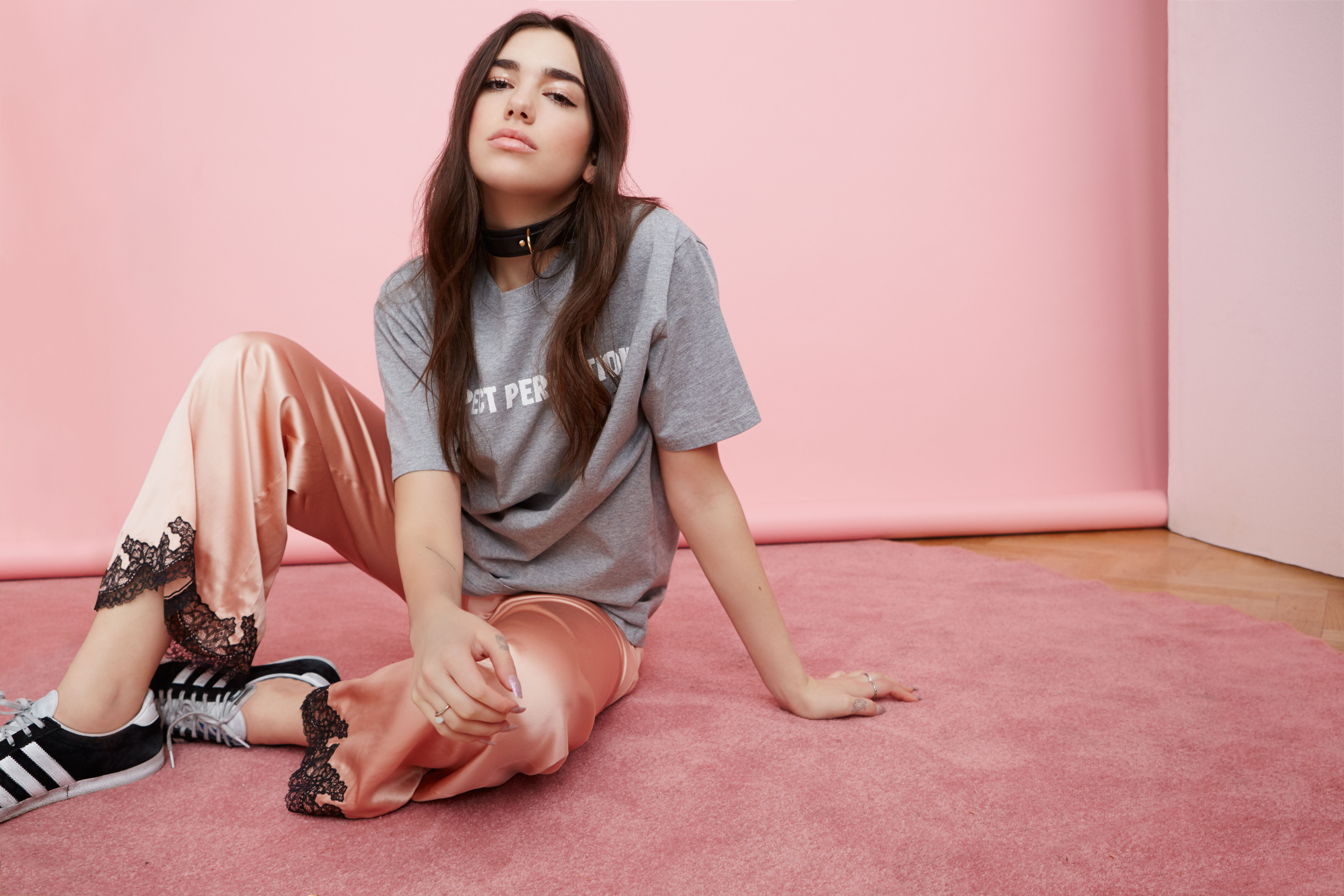 Dua Lipa: Blow Your Mind