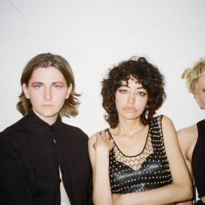 The Neu Bulletin (deep tan, Porij, October and the Eyes and more!)