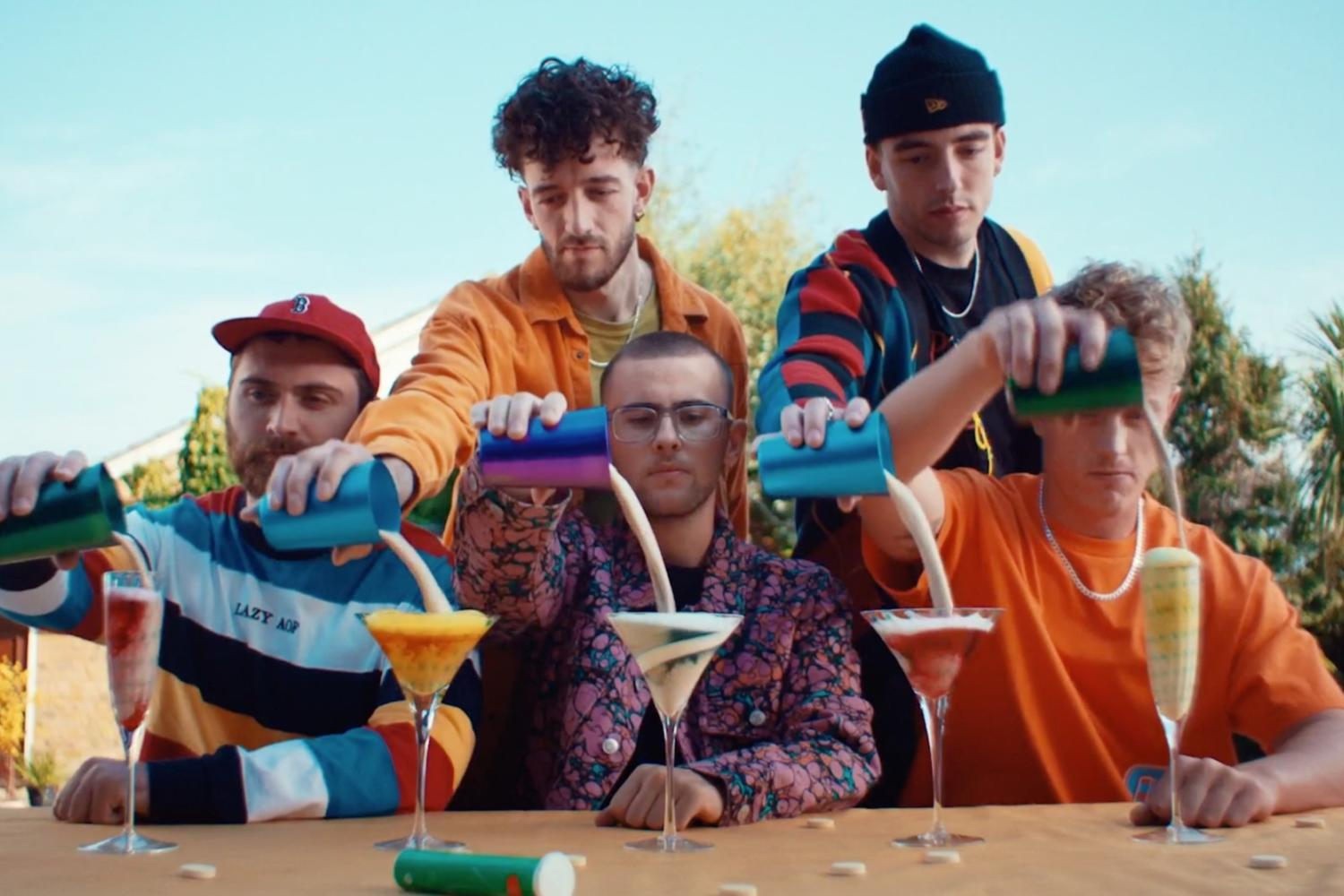 Easy Life reveal 'Daydreams' video