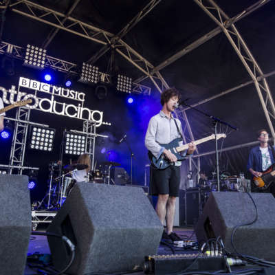 Eat Fast bring their scuzzy glory to Reading 2016