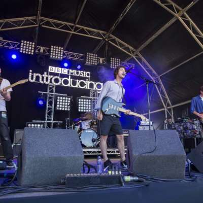 Watch Eat Fast make their Reading Festival debut