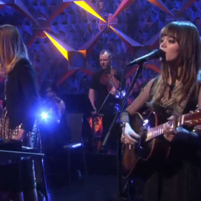 First Aid Kit perform 'My Silver Lining' on Ellen