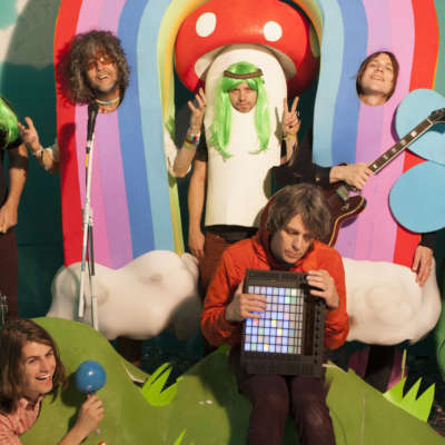 The Flaming Lips cover John Lennon's 'Happy Xmas (War Is Over)' with Yoko Ono