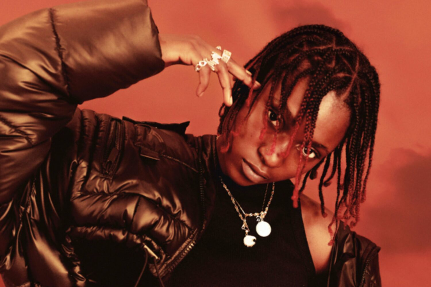 Flohio links up with Kasien for new track 'With Ease'