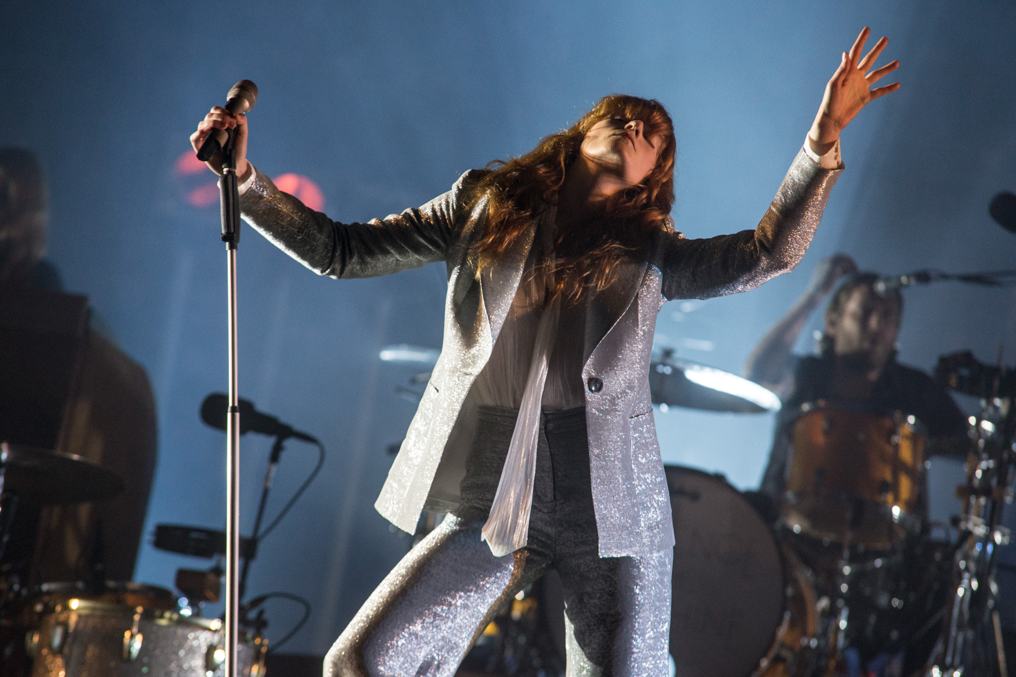 Florence + The Machine seizes her moment at Glastonbury 2015