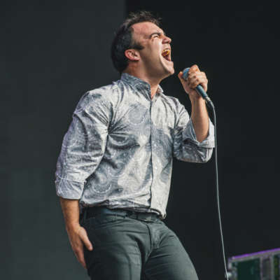 Watch Future Islands play new song 'Aladdin' live in Chicago