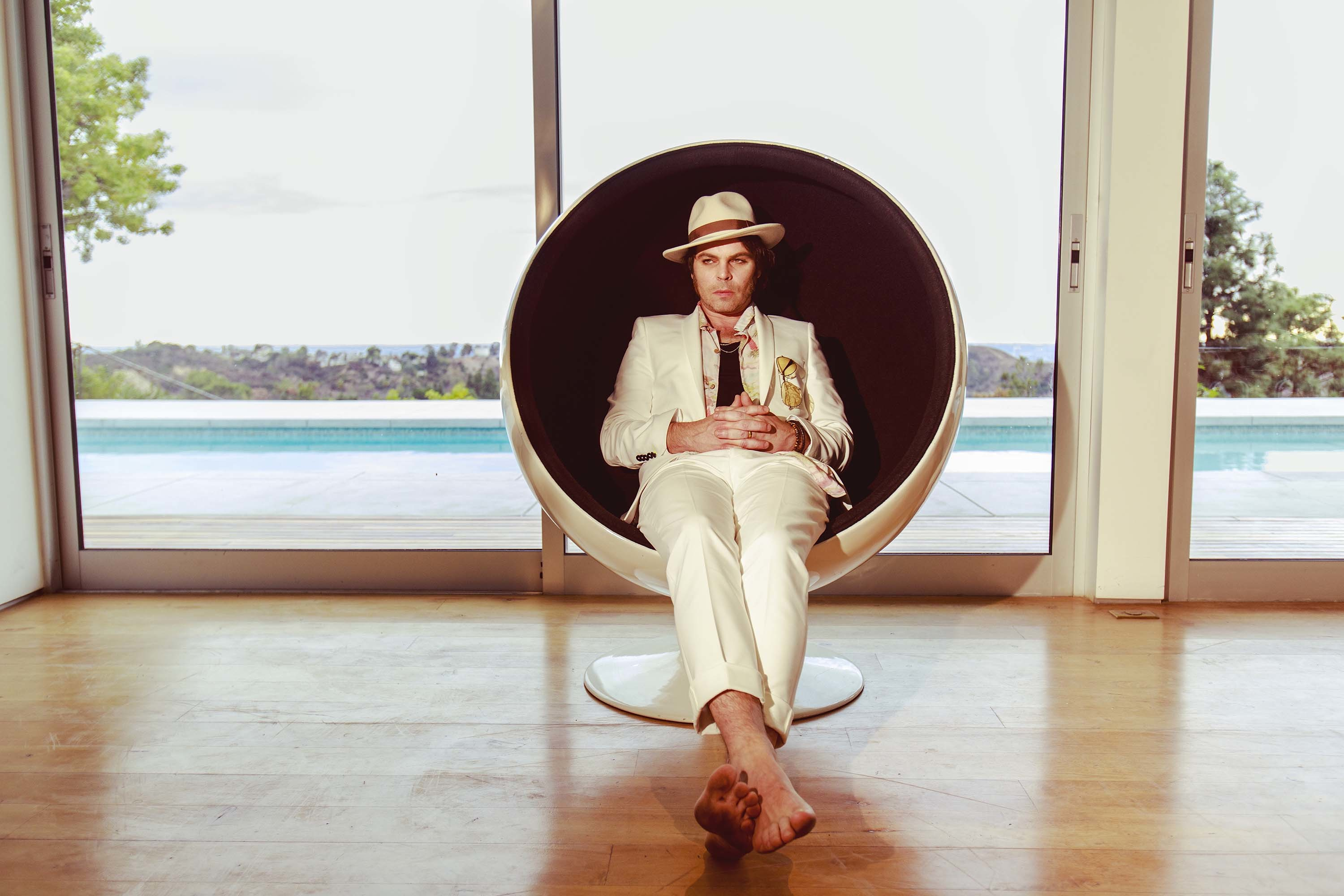Gaz Coombes announces new album 'World's Strongest Man'