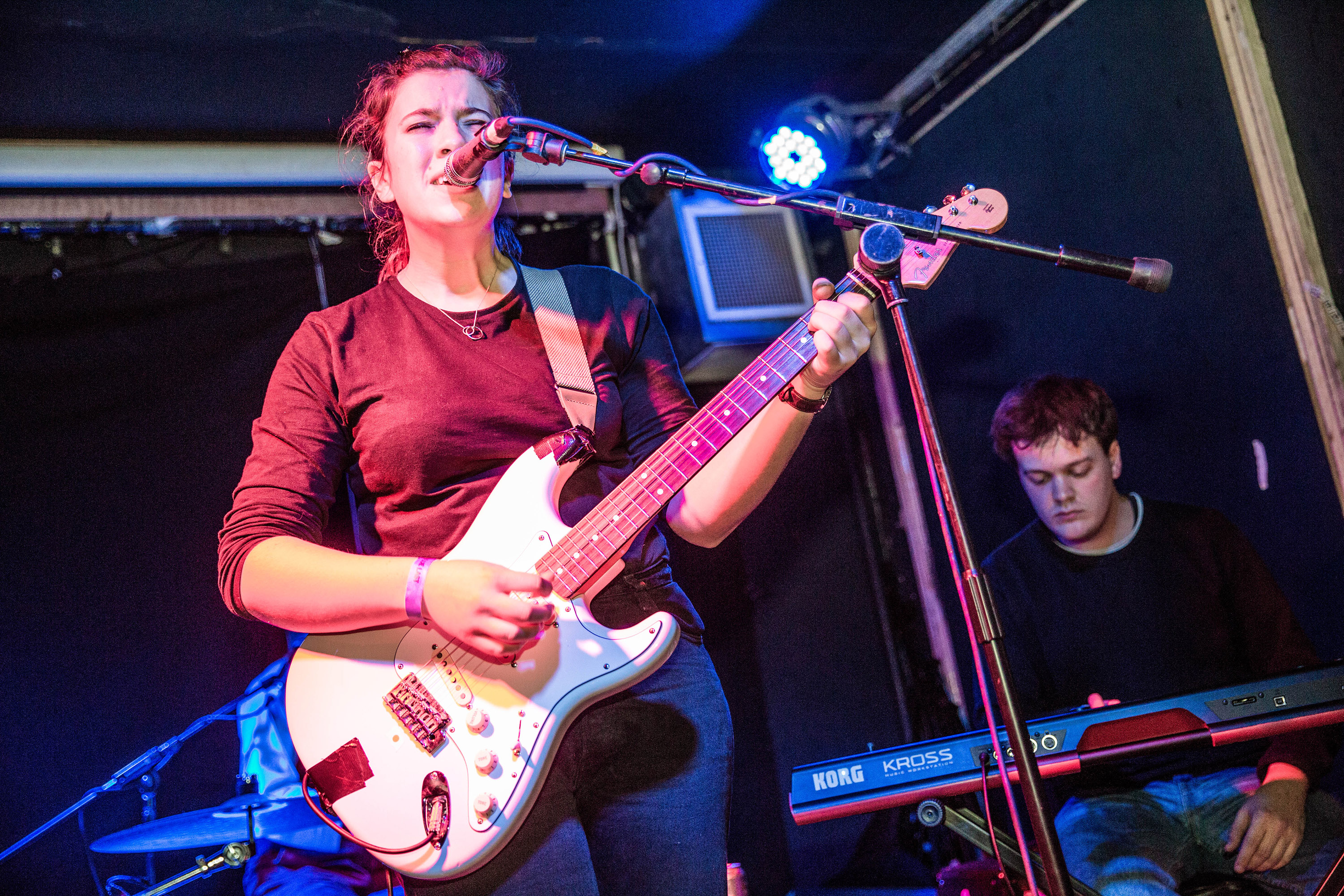 Swimming Tapes & Girl Ray opt for escapism at Hello 2017
