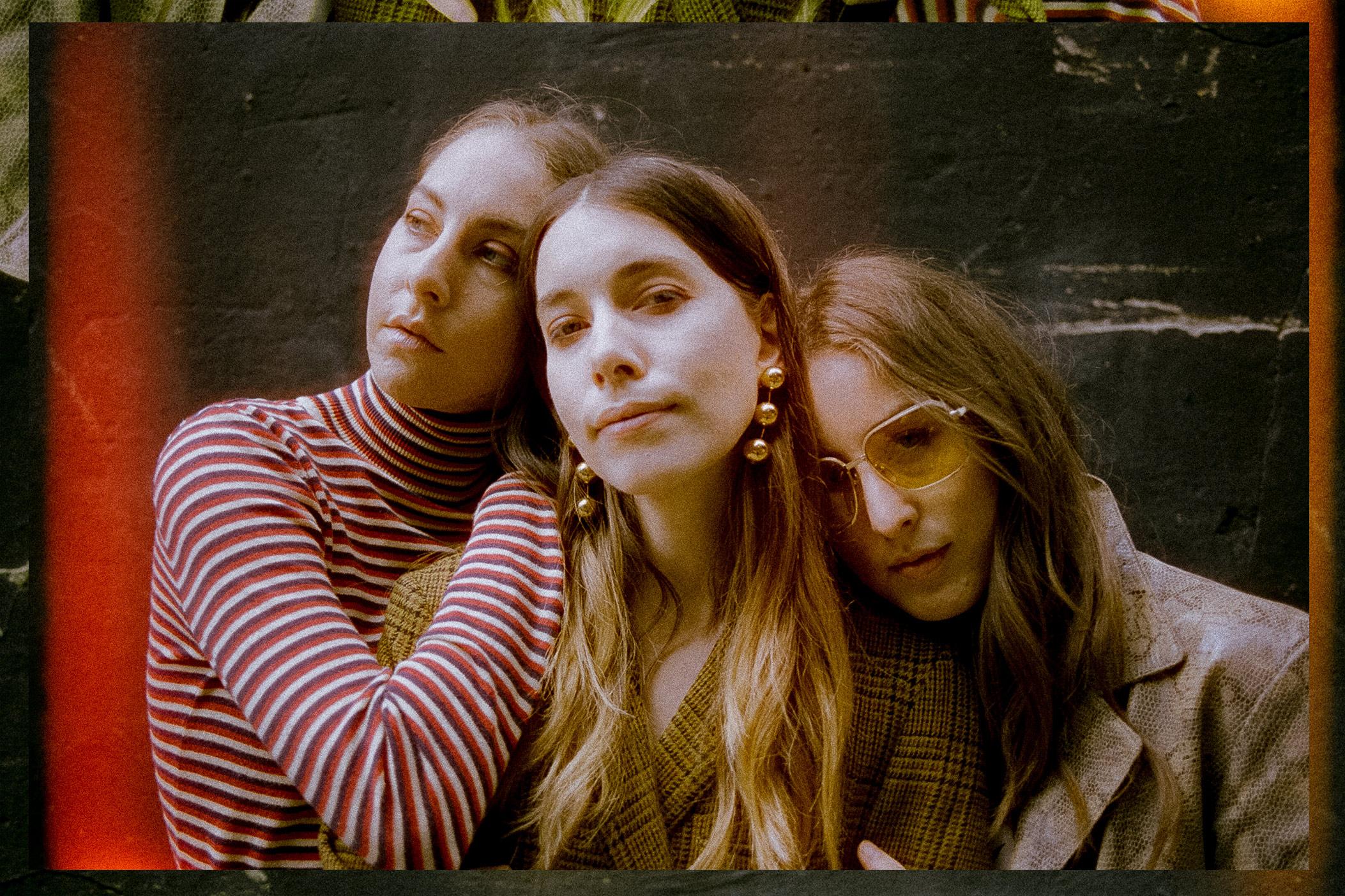 Sisters, Ledge: Haim