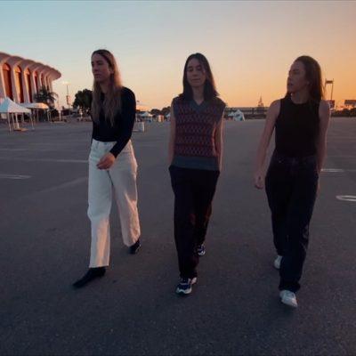 Haim share 'Don't Wanna' video