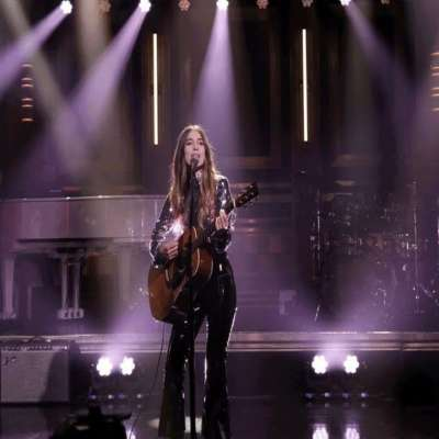 Watch Haim bring 'Want You Back' to Fallon