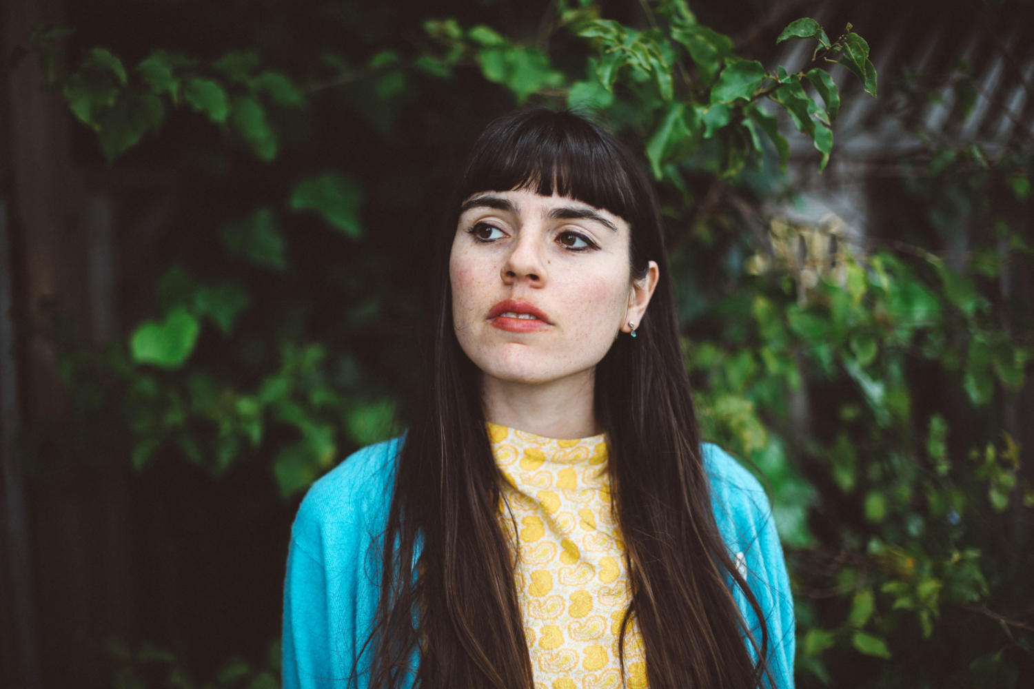 Hazel English mixes it up on new track 'That Thing'