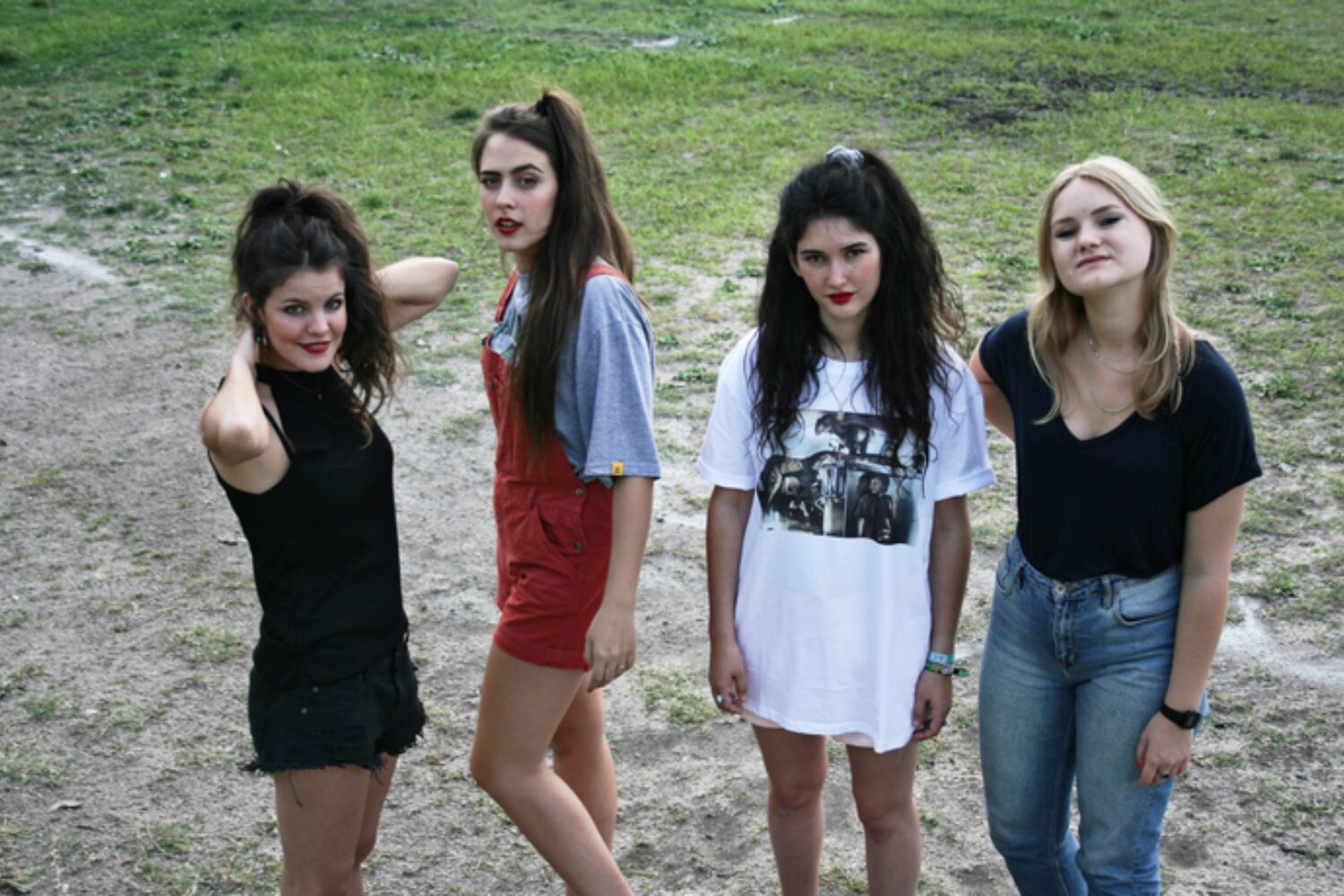 Hinds freak out, scream, lose their minds in Narduwar interview