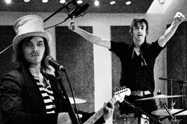 Gaz Coombes & Danny Goffey's The Hotrats reveal homemade video for new cover of Kelis' 'Milkshake'