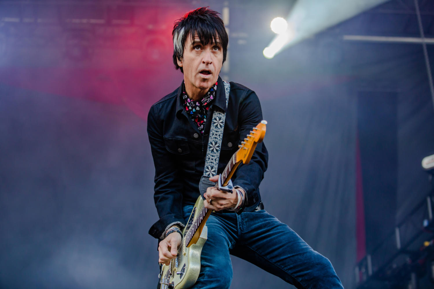 "Johnny Marr announces 7"" singles box set 'Single Life'"