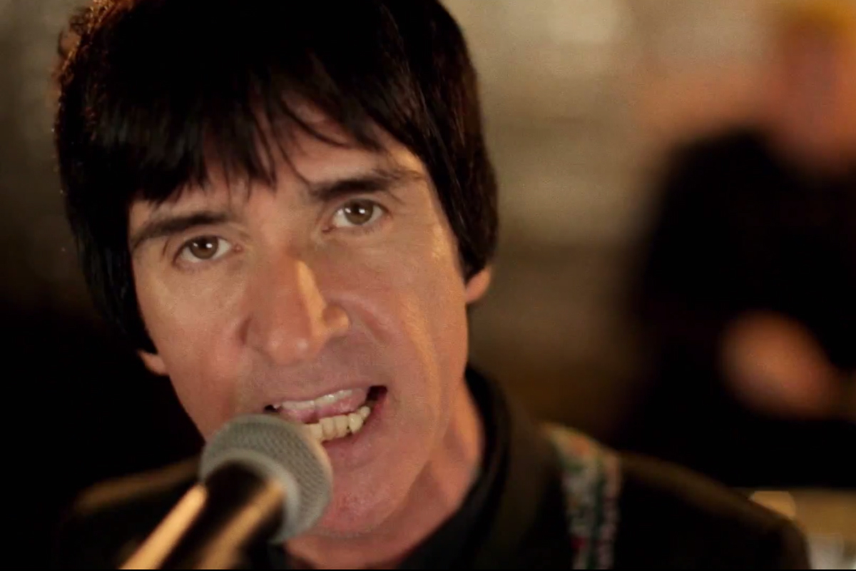 Johnny Marr airs new 'Easy Money' video